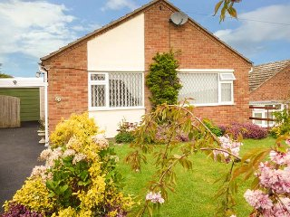 WENLOCK VIEW, electric featured fire, patio doors, Ref 944805