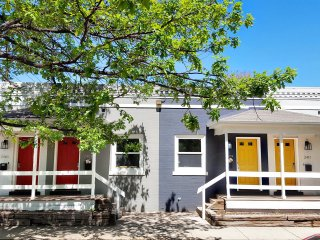 Just 1 mile from Coors Field-Remodeled 2BR in Five Points! Easy Cancel