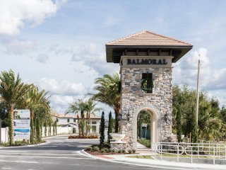 Balmoral Resort 159 Kenny Blvd UHP 3 Bed/2.5 Bath Villa