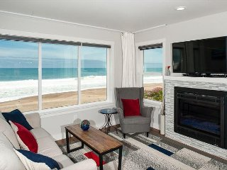 Beach Time anyone? Come enjoy the sweeping view while soaking in the hot tub!