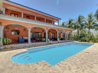 Luxurious oceanview estate w/ private pool, beach access & resort amenities!