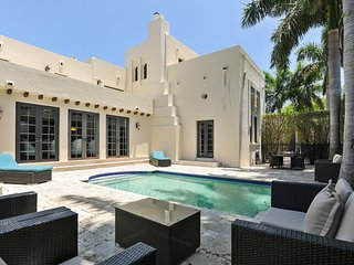 6 Bedroom Villa Lleona Miami Beach Mansion