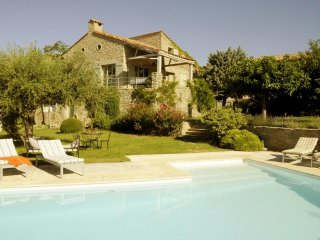 Luxury 4 bedroom villa in Languedoc with pool
