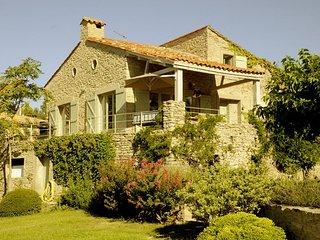 Luxury 4 bedroom villa in Languedoc with pool