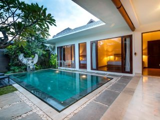 2 Bedroom Private Pool in Double  Six