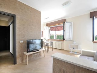 Completely renovated 2bdr with terrace
