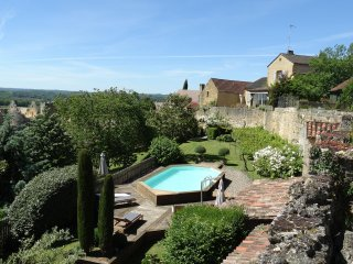 Maison des Tours - quality home situated on the remparts of the village of Domme