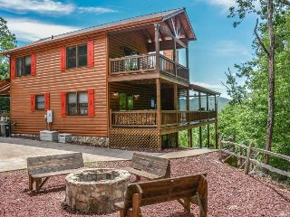 MOUNTAIN LAKE OVERLOOK-4 BED/3.5 BATH--LUXURY CABIN WITH MOUNTAIN AND LAKE, Blue Ridge