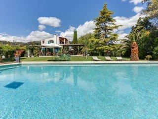 Vaste villa avec piscine près de Saint-Paul