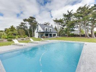 Belle maison, piscine et plage à pied à Piriac-sur