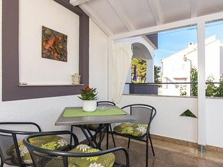 Cute Apartment Suzy in the City of Krk