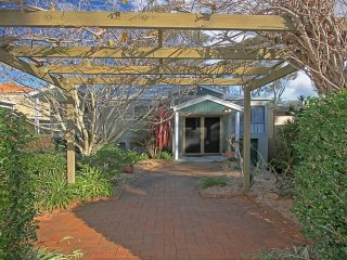 12 Denham Avenue UpStairs ONLY Beachside Escape