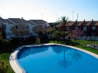 Apartamento con piscinas y parking AC2-EAA