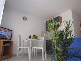 Apartment Kokor-One Bedroom Apartment with Terrace (DESNI), Vodice