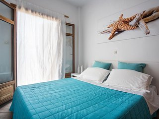 Suite with Seaview and exclusive Garden Naoussa