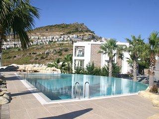 Yalıkyavak Villa  On The Beach With Swimming Pool # 136