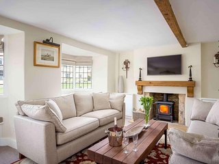 Halfway House is a beautiful Cotswold stone cottage, on a peaceful street
