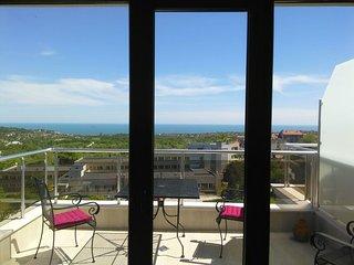 Kavaleto- Zwei Apartments mit 5 Meerblick-Terrassen über den Dächern von Vinitsa