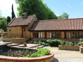 Beechnut, Heath Farm Holiday Cottages. Stunning views & idyllic Cotswold area