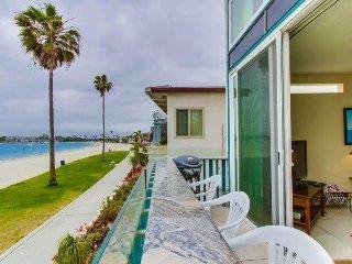 Bob`s Bay Front Paradise: Bayfront, Panoramic View, Balcony