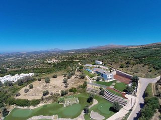 Villa Barbera with 6 Hole-Golf, Tennis and Basketball Courts near Rethymno