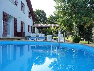 Belle villa de vacances 4* 5 mn Plage Socoa Vue mer Parc 2500 m Piscine au sel