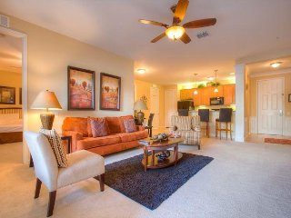 Orlando Escape -Detailed Luxury Condo with Lots of Space