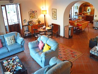 Elegant Lipari villa, with a wonderful terrace over the Marina Corta square