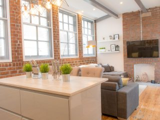 Stunning Luxury W/house Conversion in heart of Liverpool! - Sleeps 8