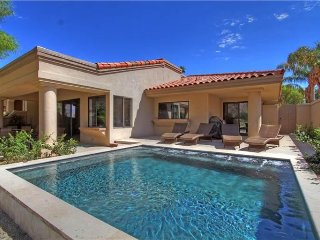 Desert Retreat w/Private Pool, Mt. views on PGA West Nicklaus Private Course, La Quinta