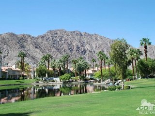 southwest facing townhouse@PGA WEST amazing views.