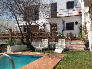Gorgeous Gaucin townhouse with pool sleeps 6