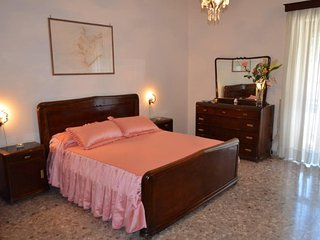 Rose House in Amalfi with free garage and wi-fi