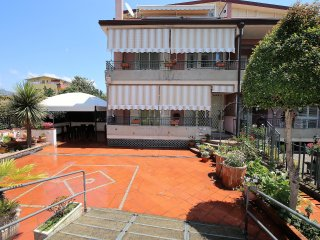 Casa Mimì - Terraced house with parking place near the sea in Giardini Naxos, Giardini-Naxos