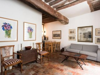 Ile Saint-Louis apartment in 04eme - Hotel-de-Vil…