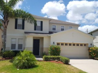 1051 BD Large Pet Friendly Home with Private Pool