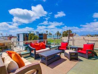 South MB Ocean View 3bd+3ba Corner Townhome!