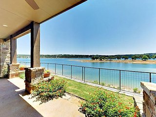 3BR Villa at Lake Travis Reserve w/Outdoor Living Room, BBQ, and Water Views