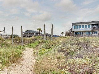 Dog-friendly, waterfront home w/ patio, balcony, spectacular view & beach access