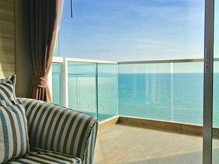 Dasiri Cetus 1BR Beachfront Condo 27th Floor