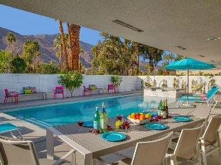 Pretty in Pink at the Indian Canyons - Mid Mod Executive Villa