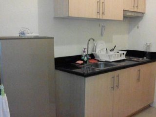 26F Tower 3 One-Bedroom for 2 with Cold Shower Only, Quezon City