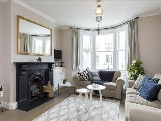 Stunning central 4 bed w/ garden by Clapham Common