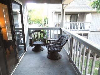 Golf Colony-Large and Comfortable 2 Bedroom Condo Near the Beach! 20J