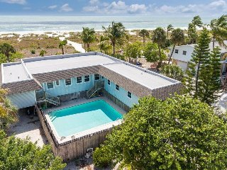 Nicely decorated Duplex with a spectacular view of the Gulf of Mexico