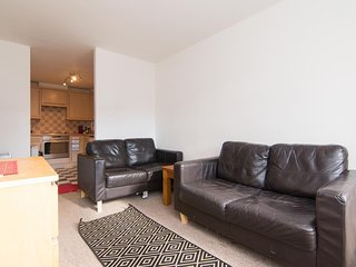 2 Bedroom Apartment - 5 minutes from the City Centre