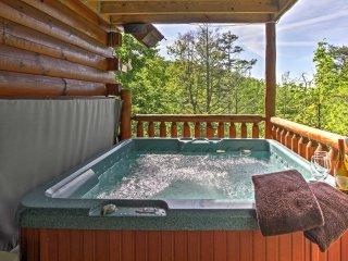 NEW! 2BR Sevierville Cabin w/ Jacuzzi & 3 Decks!