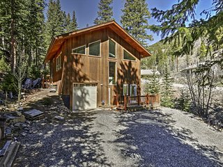 Charming 2BR Dumont Home w/Deck - Near Skiing!
