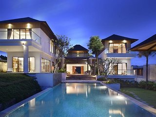 Serenita Luxury 3 Bedroom Villa Ocean View, Uluwatu;