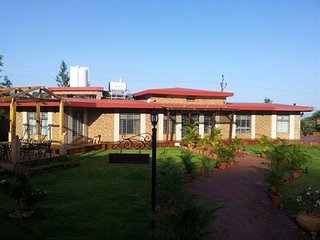 Luxury Bungalow on Mahabaleshwar-Tapola Raod